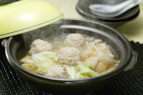 白菜と肉だんごの中華鍋