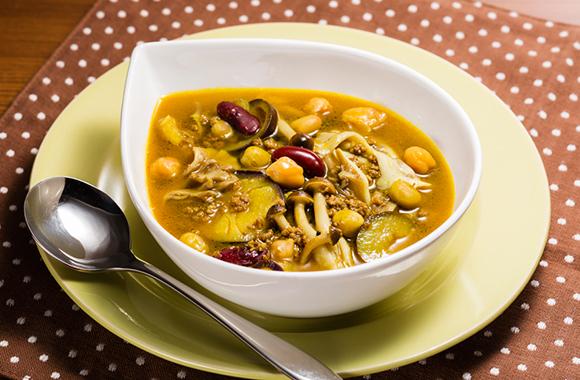 なすとひき肉の豆カレースープ