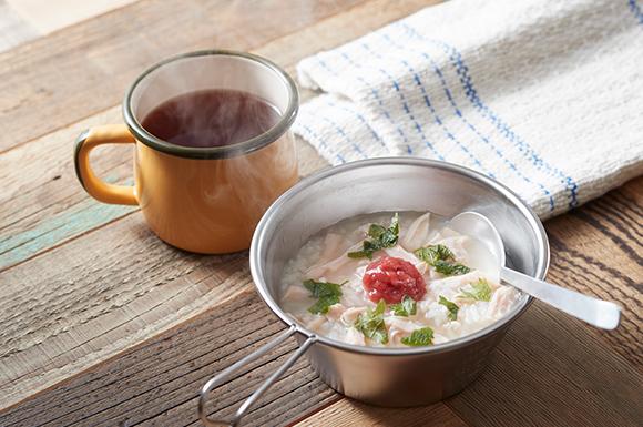 シェラカップで作るきちんと梅のほっこり雑炊