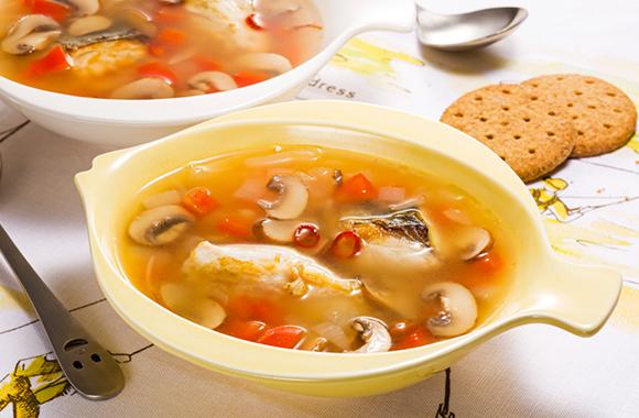 パプリカと白身魚の洋風白だしスープ