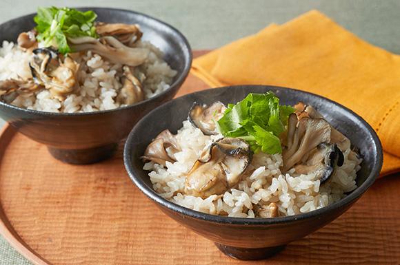 牡蠣とまいたけの炊き込みご飯