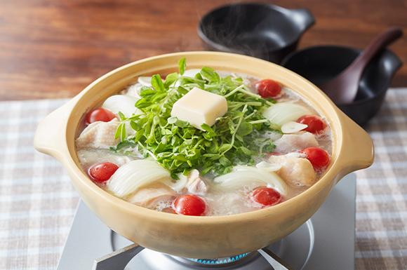 鶏肉と豆苗の塩バター鍋