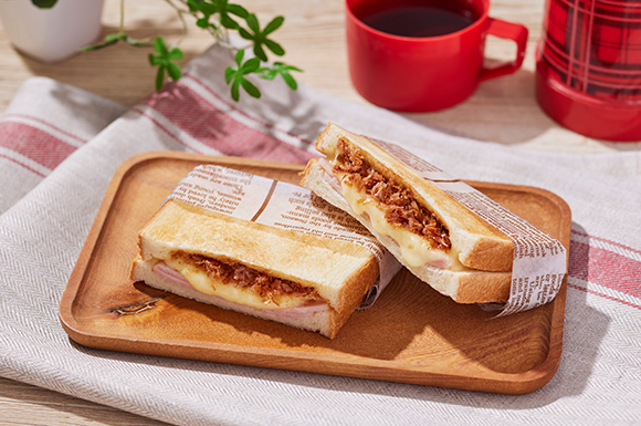 おかかハムチーズのホットサンド (オーブントースターVr.)