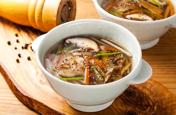 きのこと根菜の和風スープ   おいしいレシピ ヤマキ株式会社