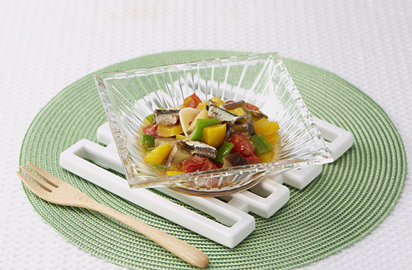 煮干しオリーブオイルの彩り野菜のマリネ