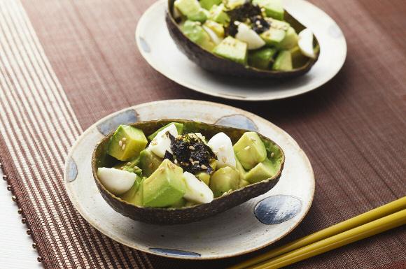 アボカドとチーズのカプレーゼ韓国風