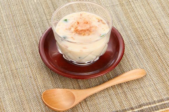 冷たい豆乳のスープ