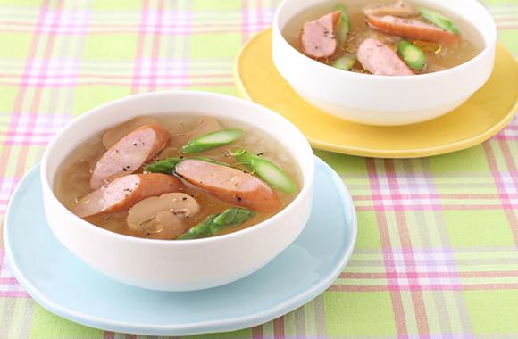 ウインナーと玉ねぎの白だしスープ