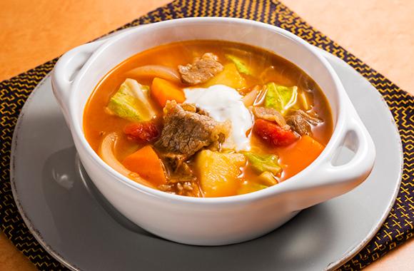 牛肉とキャベツのボルシチ風白だしスープ