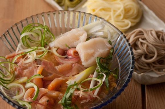 ごちそう涼味麺「貝汁」