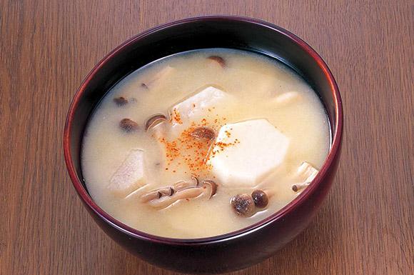 里芋としめじの味噌汁