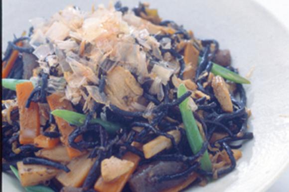 ひじきとツナと、野菜の炒め煮