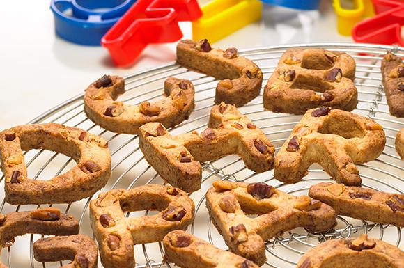 雑穀とナッツ&おかか入りクッキー
