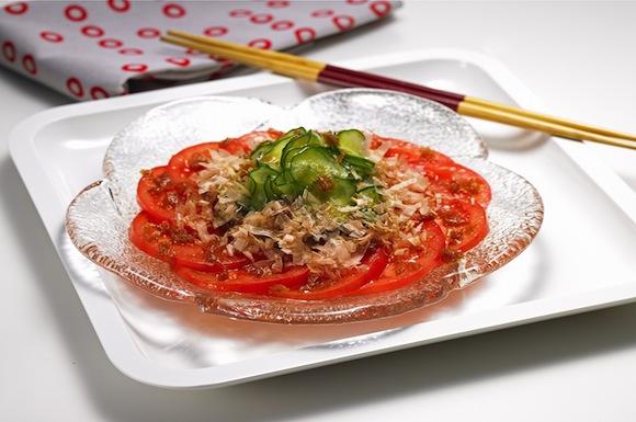 トマト&きゅうりのサラダ、おかかドレッシング