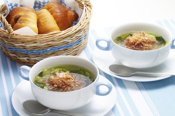 レタスとわかめのおかかスープ