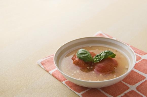 トマトとバジルのスープ