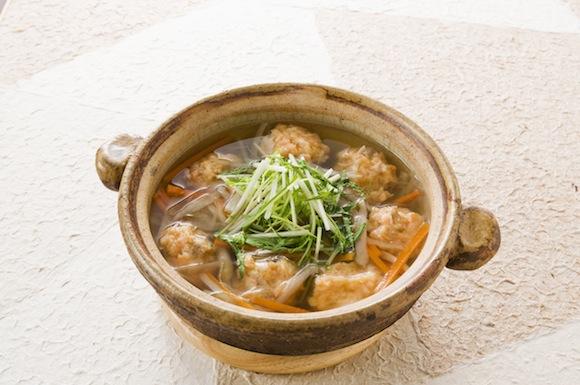鮭のつみれと根菜の白だし鍋