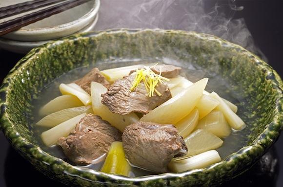 マグロのほほ肉と大根煮