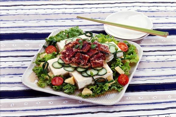豆腐とうなぎのスタミナサラダ